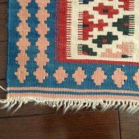 手織りウールキリムの房修理