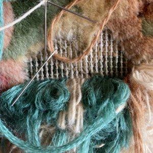 画像1: 絨毯の穴修理
